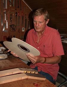 Guitarbygger.dk - Kenneth Brögger - Håndbyggede klassiske guitarer af høj kvalitet 1. klasses ...